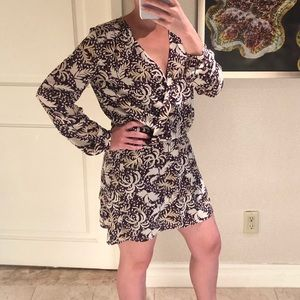 Short Long Sleeved Print Dress